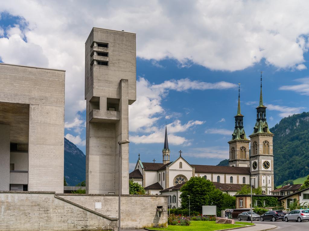 Glarus - katholische und reformierte Kirche