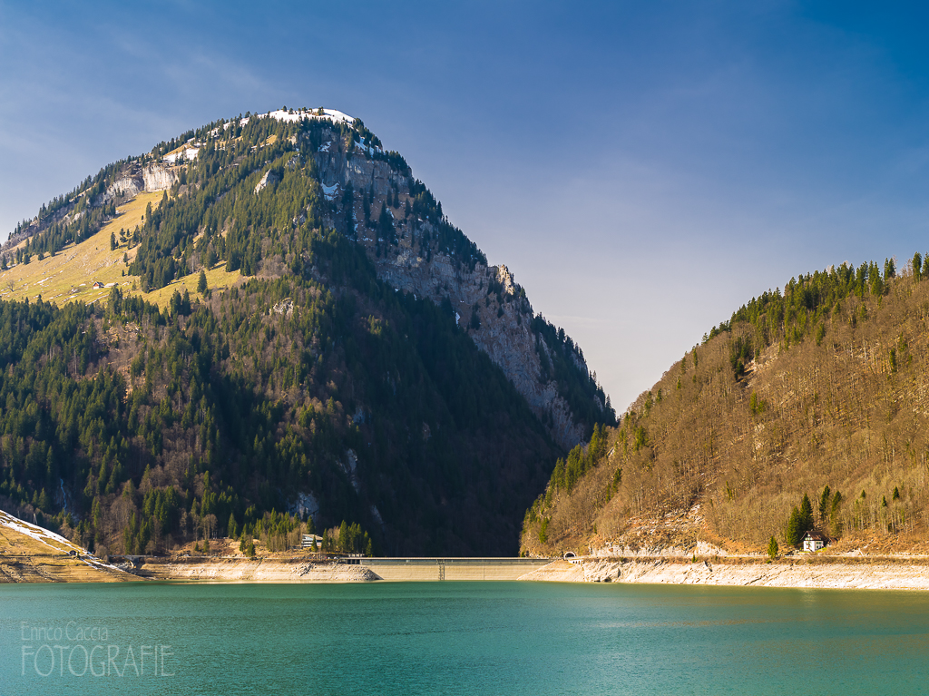 Wägitalersee, Damm mit Gross-Aubrig