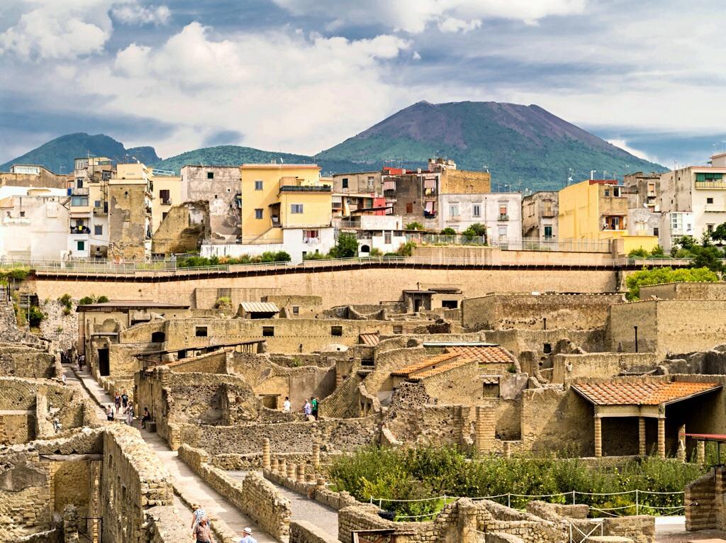 Herculaneum alt + neu mit Vesuv