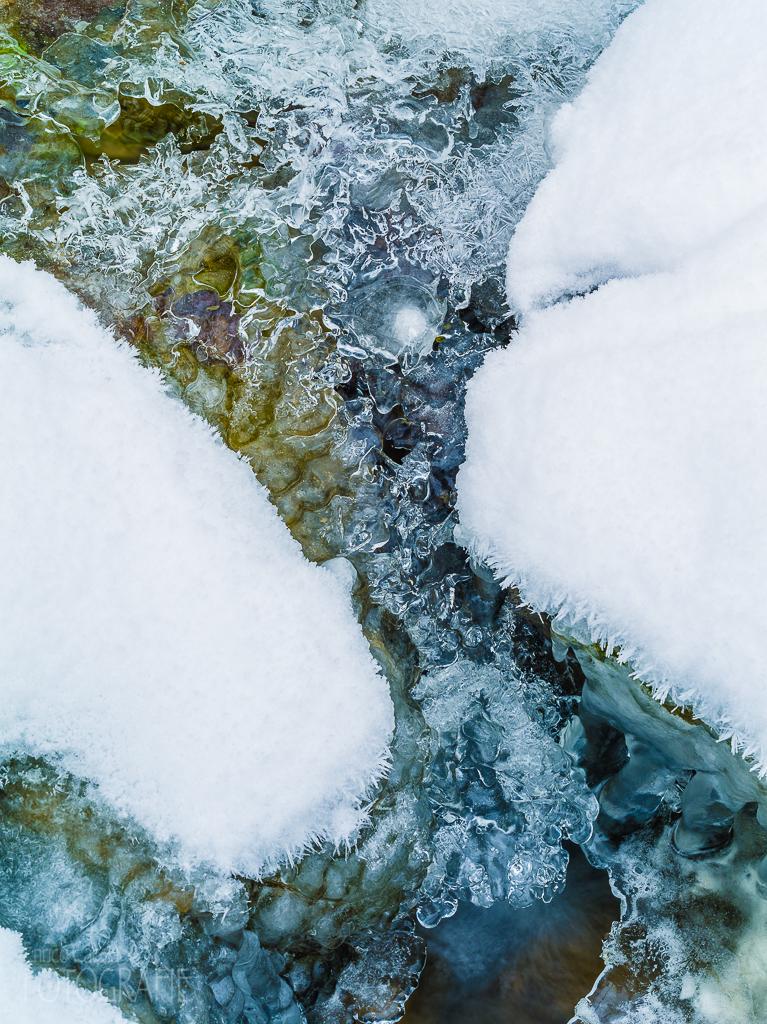 Bach gefroren